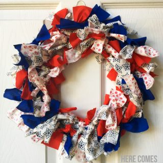 patriotic-fabric-wreath-featured-psd