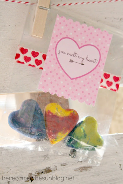 Melted Crayon Valentine from herecomesthesunblog.net #valentine