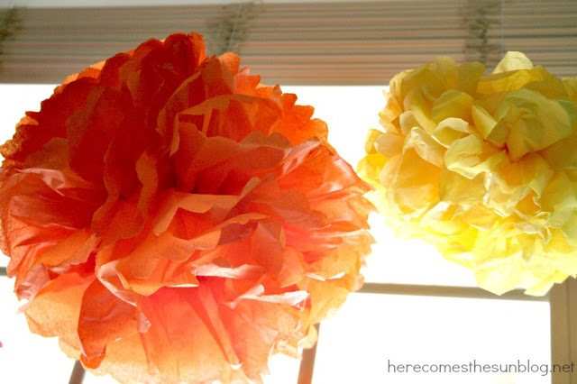 Rainbow Tissue Paper Pom Pom Tutorial I herecomesthesunblog.net