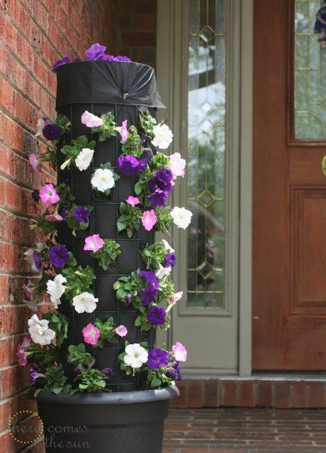DIY+Flower+Tower+with+Petunias