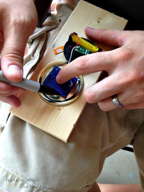 DIY Solar Powered Mason Jar Lantern