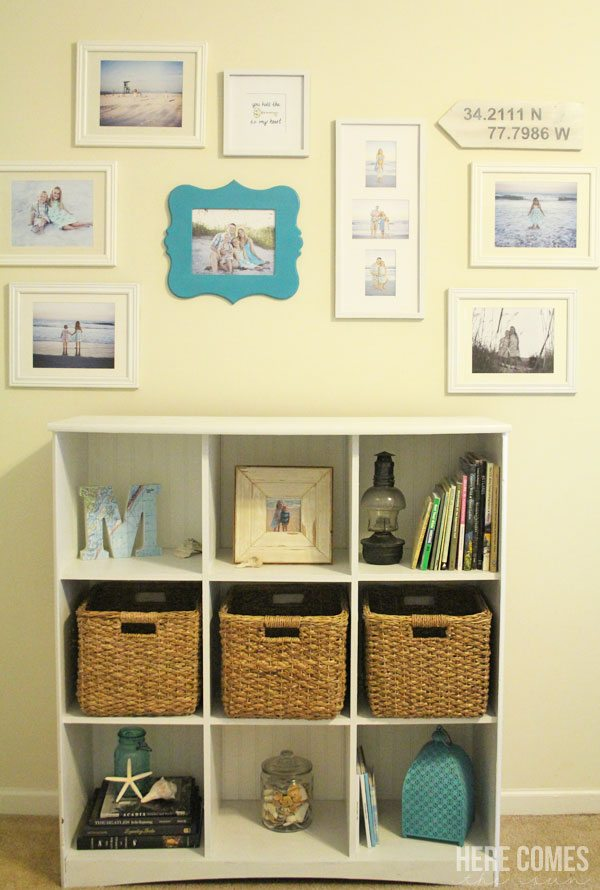 Create a gallery wall easily without doing any damage to your walls! This solution is perfect for renters.