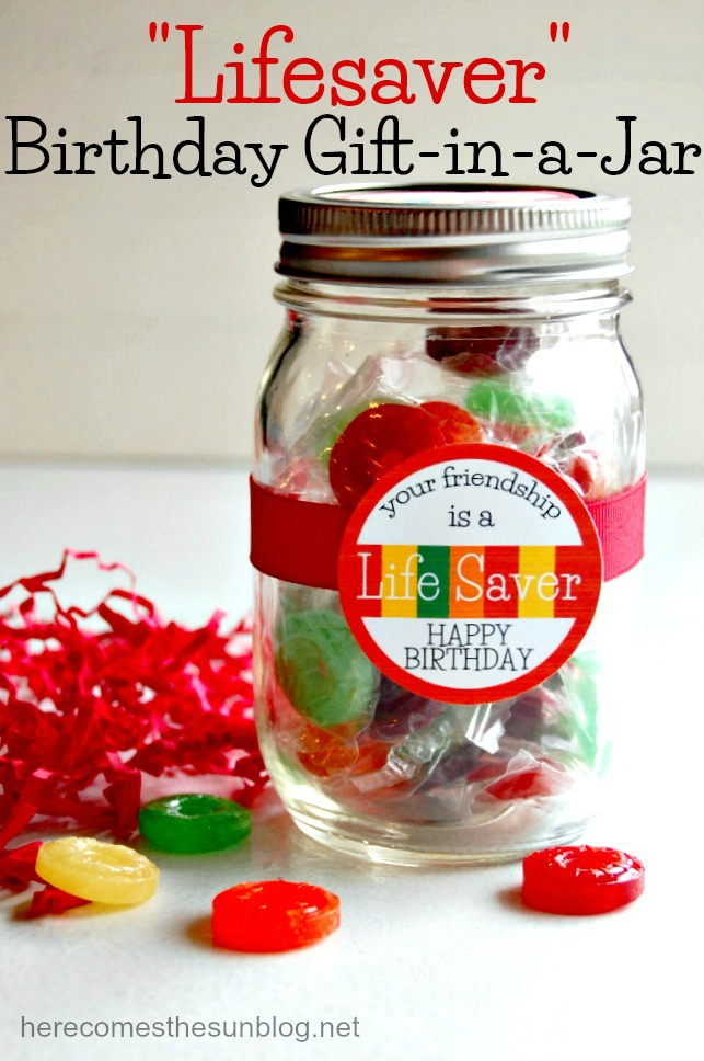 This adorable Lifesaver Birthday Gift in a Jar comes witha free printable!