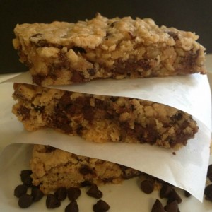 Peanut-butter-oatmeal-chocolate-chip-bars-featured