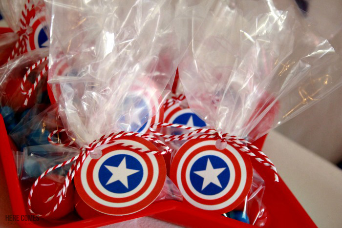 Captain-America-Party-cupcake-toppers