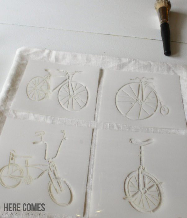 stenciled-pillow-1