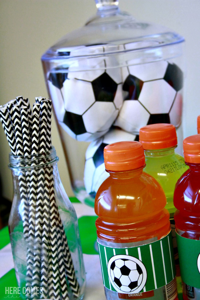 Create an amazing soccer party with these easy ideas!