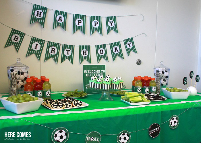 soccer-party-food-table2