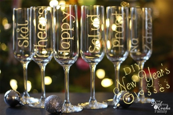 Gold Champagne Flutes And Cake Server