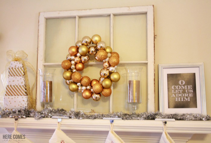 Easy ideas to decorate your home with metallics this holiday!decorate-with-metallics-1