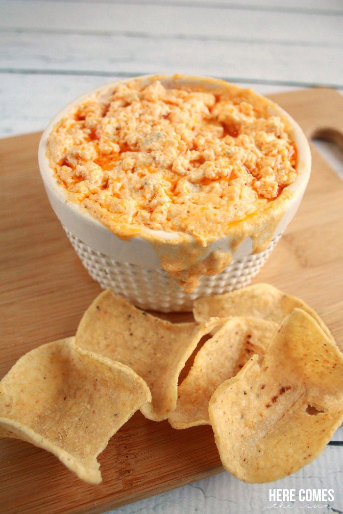 This Buffalo Chicken Dip is AMAZING and is the perfect food for your ...