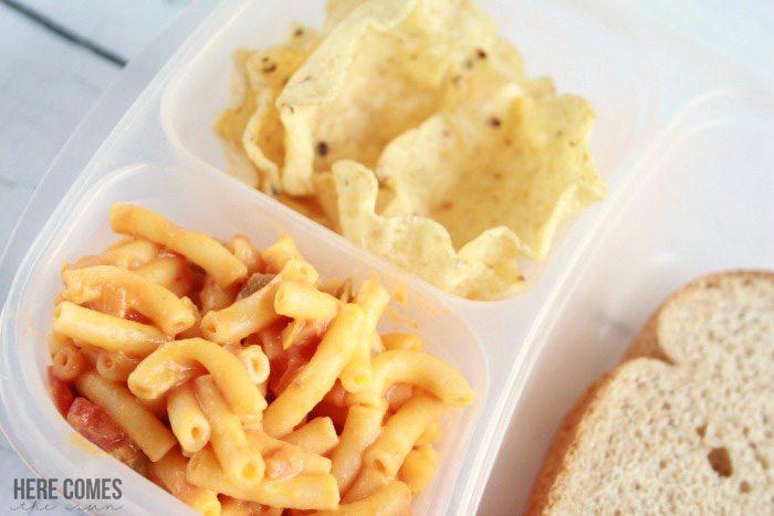Quick and easy Salsa Macaroni and Cheese recipe! #MACNATOR #ad
