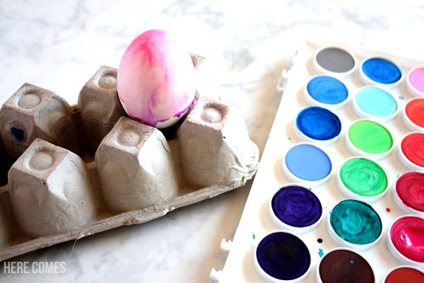 how to dye watercolor Easter eggs!