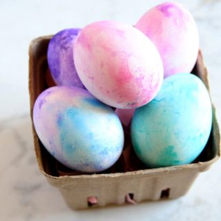 How to Create Watercolor Easter Eggs