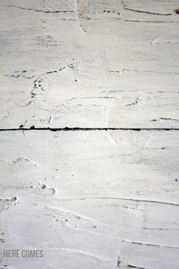 Make a faux wood plank photo backdrop out of foamboard!