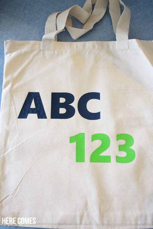 Create this easy DIY Tote Bag using heat transfer vinyl
