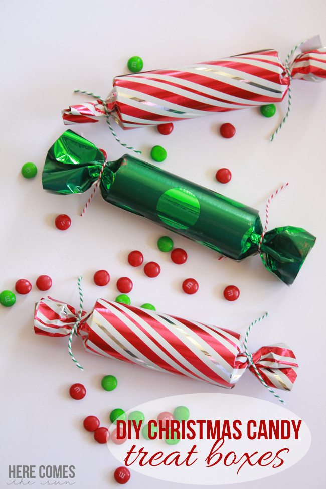 Christmas Candy Treat Boxes! Adorable and easy to make!