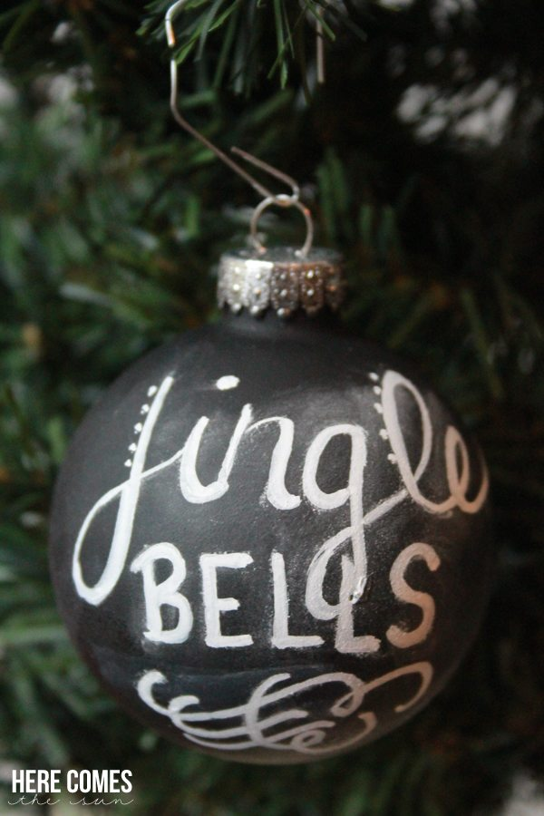 Handlettered Chalkboard Ornaments!  So beautiful on your tree.