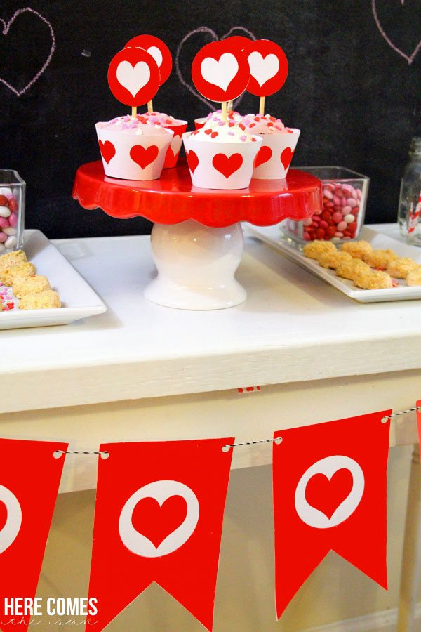 Sweet Valentine Party!  I'm in LOVE with all the cute details!