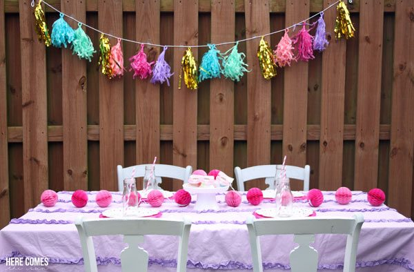 I'm loving this fun ice cream party! So easy to put together!