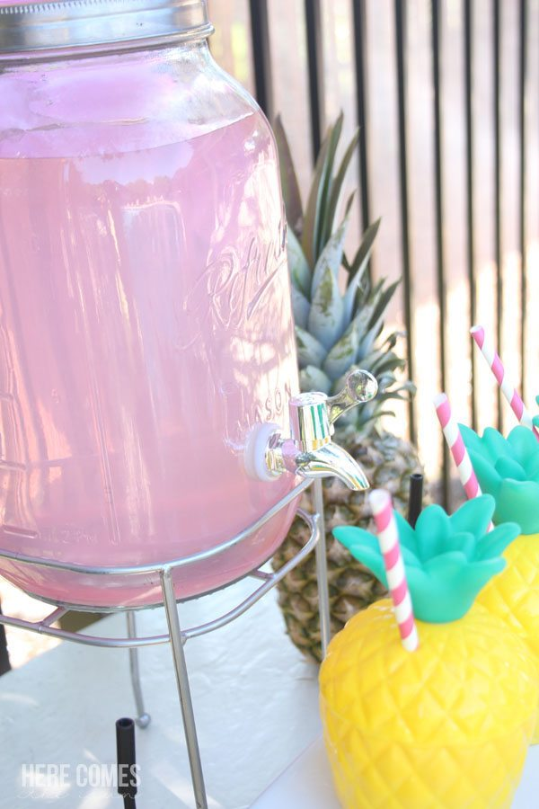 Have a splash with this fun and festive pineapple pool party!