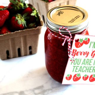 This berry themed teacher gift idea is so adorable. It even comes with a free printable tag!