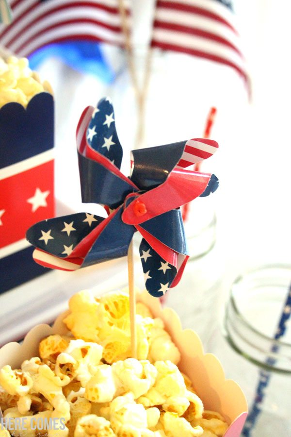 These July 4th party ideas are so easy and fun! I can't wait to host my holiday party.