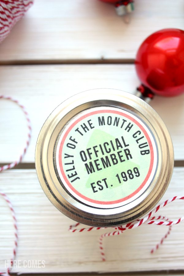These jelly of the month club gift tags will be the hit of your Christmas exchange or party.