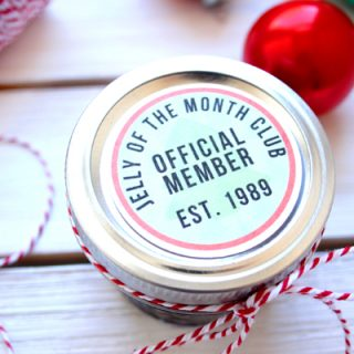 This jelly of the month club gift tag will be the hit of your Christmas exchange or party.