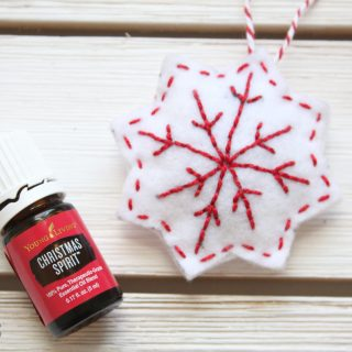 This felt sachet ornament is easy to make and makes a great holiday gift.
