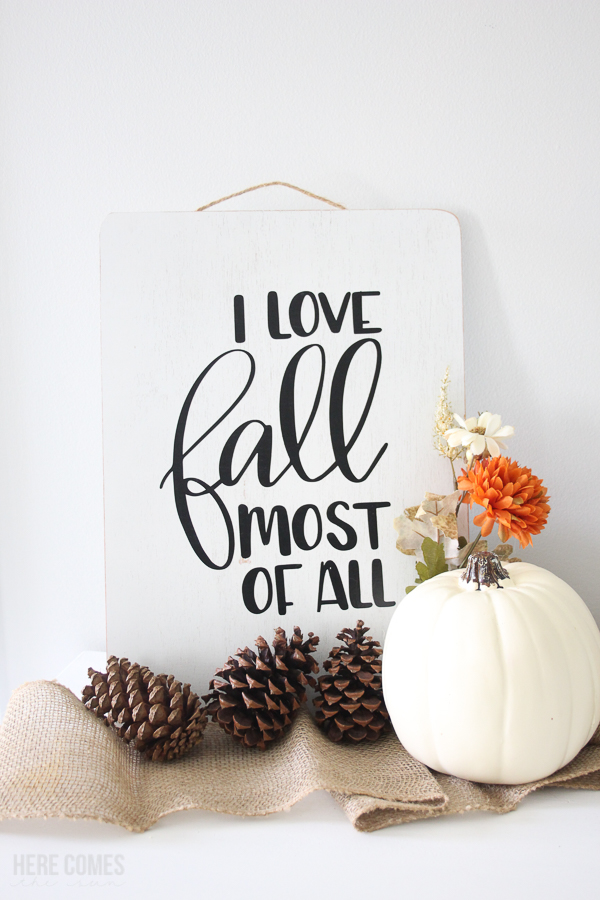 hand lettered fall sign with vinyl