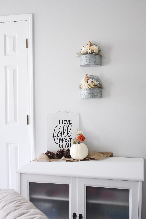 room with hand lettered fall sign as decor